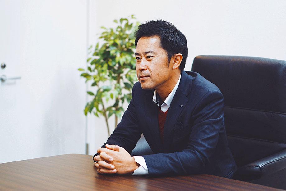 <span>株式会社 <span>デジタル・コミュニケーションズ 代表取締役 村上雅昭