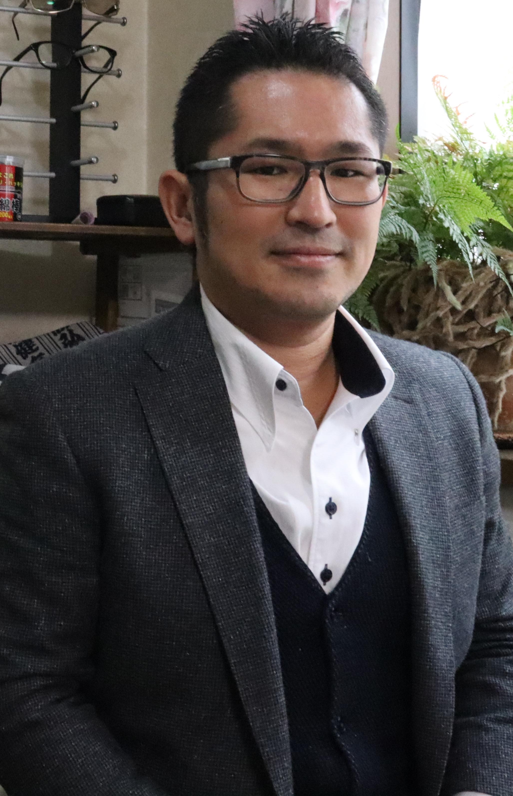 株式会社生き直し  代表取締役 千葉 龍一